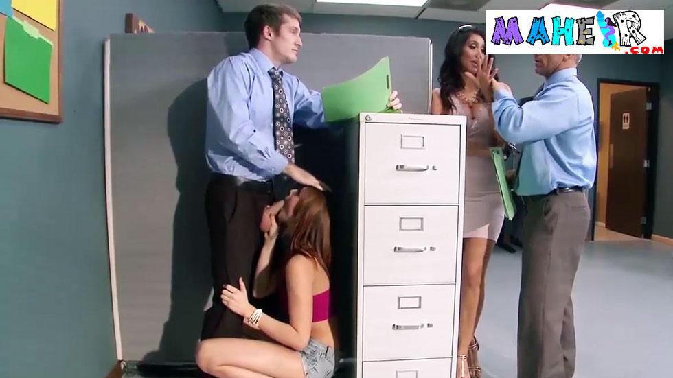 Muhasebeci eleman pantronun kızı ve hanımıyla grup porno