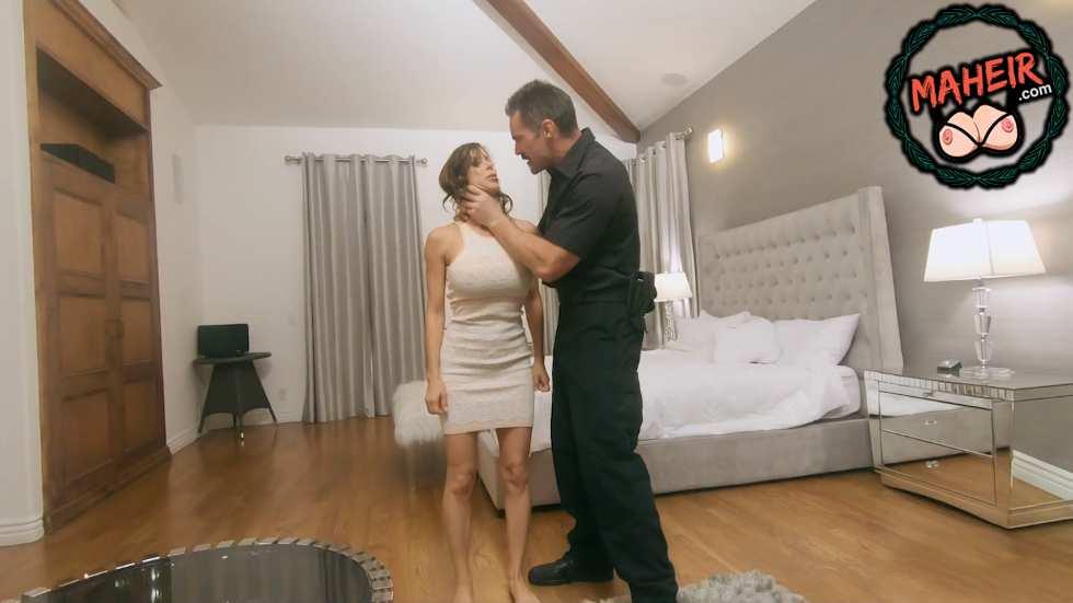 İşlediğim bir suç yüzünden polis evimi bastı karımı sikti