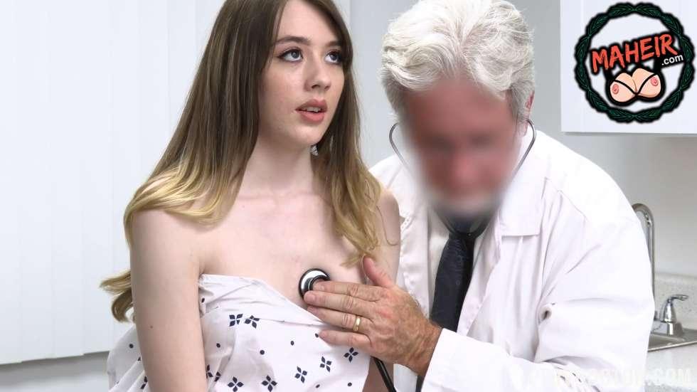 Yaşlı doktor genç kızı muayene ederken çaktırmadan elliyor