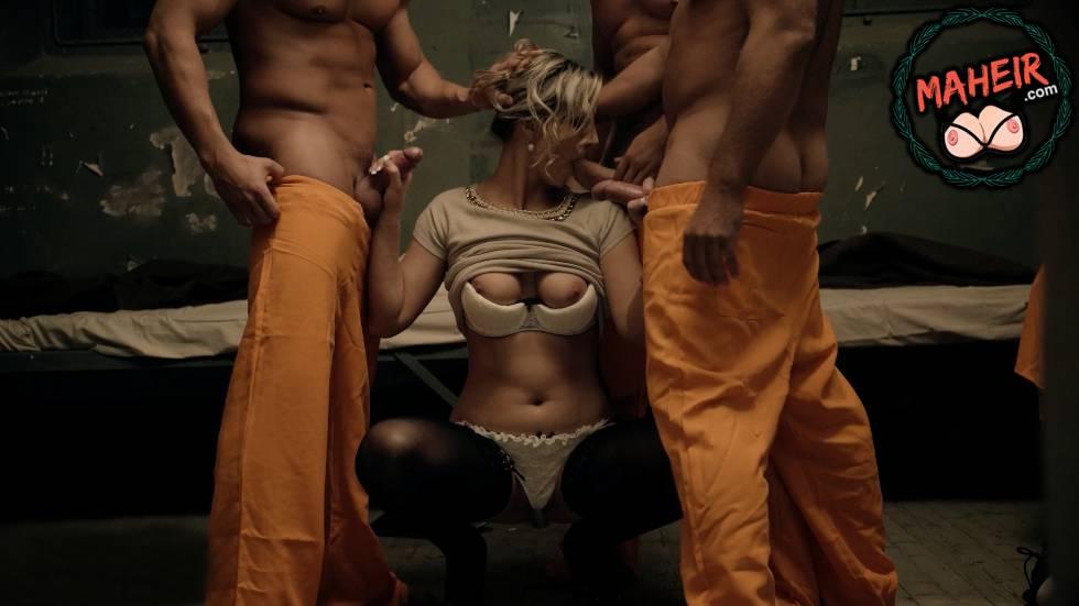 3 Suçlu Erkekler Koğuşuna Gelen Kadının İçinden Geçtiler